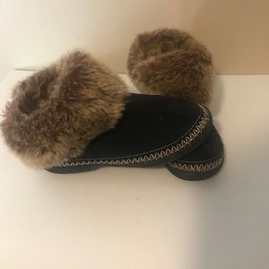 Isotoner slippers faux fur Sz 7.5-8